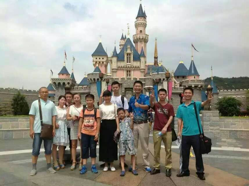 香港迪斯尼--王国城堡_深圳注塑加工_深圳塑胶模具